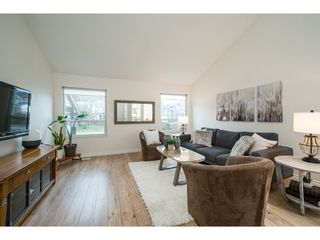 Photo 3: 11752 N WILDWOOD Crescent in Pitt Meadows: South Meadows House for sale : MLS®# R2561389