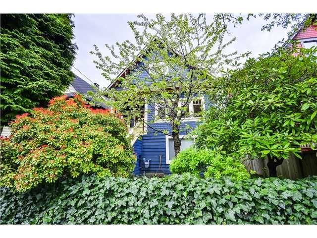 """Main Photo: 2841 WINDSOR Street in Vancouver: Mount Pleasant VE House for sale in """"Mt. Pleasant"""" (Vancouver East)  : MLS®# V1060987"""