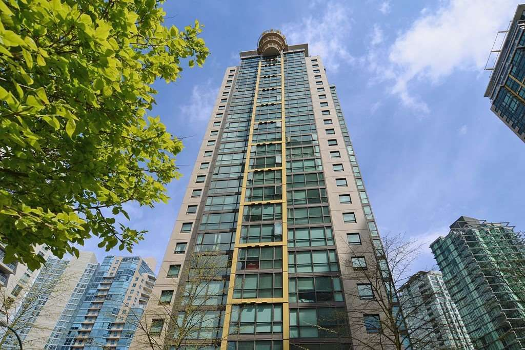 """Main Photo: 608 1367 ALBERNI Street in Vancouver: West End VW Condo for sale in """"THE LIONS"""" (Vancouver West)  : MLS®# R2464948"""