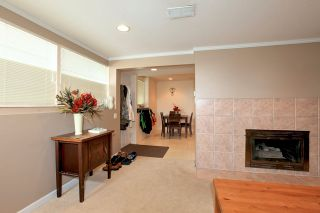 Photo 12: 572 Verona Place in North Vancouver: Upper Delbrook House for sale : MLS®# V945319
