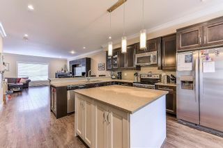 """Photo 7: 5 19938 70TH Avenue in Langley: Willoughby Heights Townhouse for sale in """"summerhill"""" : MLS®# R2329344"""