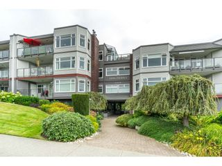 Photo 1: 404 1220 FIR STREET: White Rock Condo for sale (South Surrey White Rock)  : MLS®# R2493236