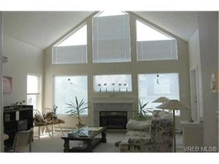 Photo 5: SIDNEY REAL ESTATE = SIDNEY CONDO SOLD With Ann Watley. Call (250) 656-0131