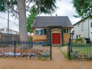 Photo 1: 1978 NASSAU Drive in Vancouver: Fraserview VE House for sale (Vancouver East)  : MLS®# R2619446