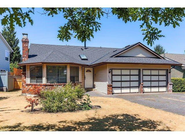 Main Photo: 15423 93 AV in Surrey: Fleetwood Tynehead House for sale : MLS®# F1447142