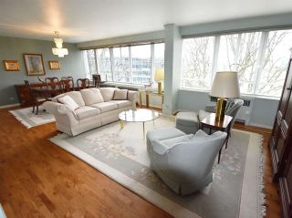 """Photo 5: 408 1445 MARPOLE Avenue in Vancouver: Fairview VW Condo for sale in """"HYCROFT TOWERS"""" (Vancouver West)  : MLS®# R2047974"""