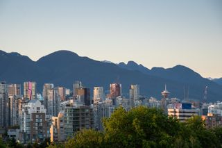"""Photo 19: 11 1350 W 14TH Avenue in Vancouver: Fairview VW Condo for sale in """"THE WATERFORD"""" (Vancouver West)  : MLS®# R2617277"""