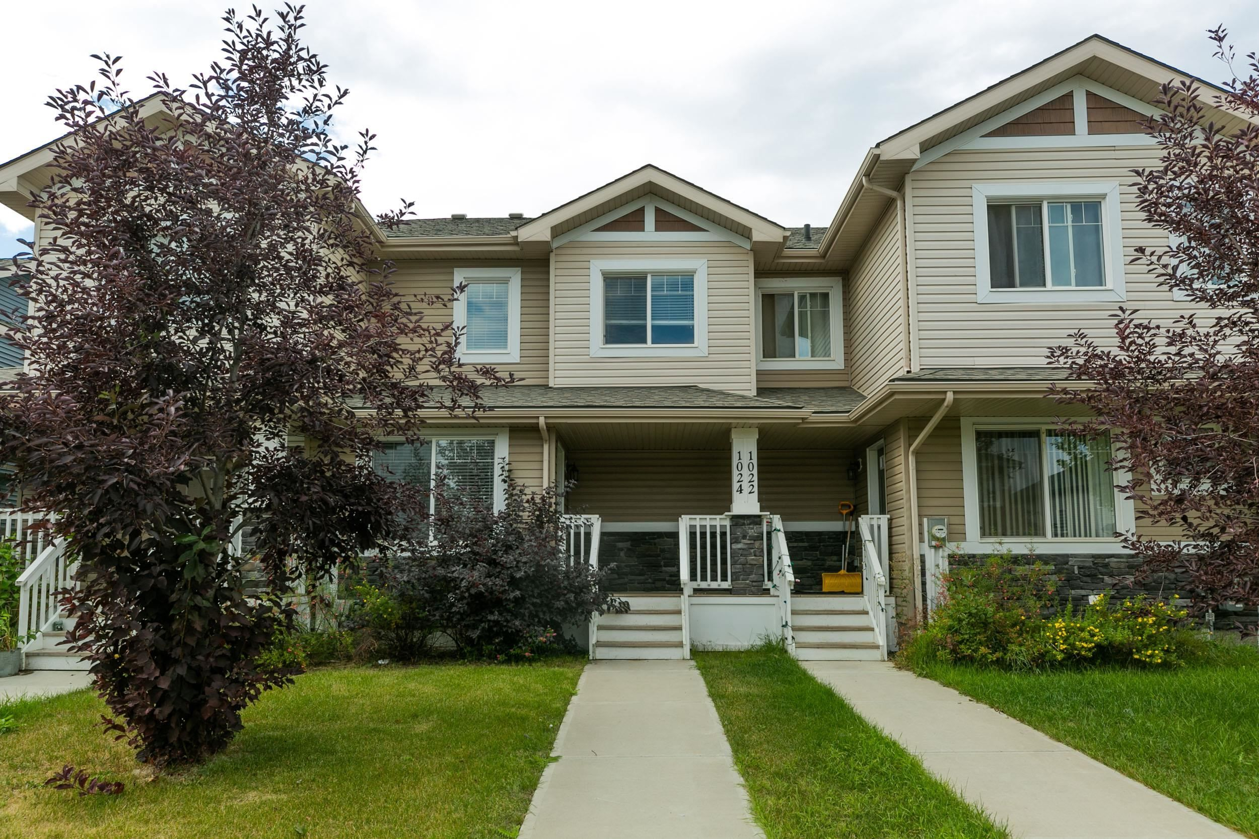 Main Photo: 1024 175 Street in Edmonton: Zone 56 Attached Home for sale : MLS®# E4260648