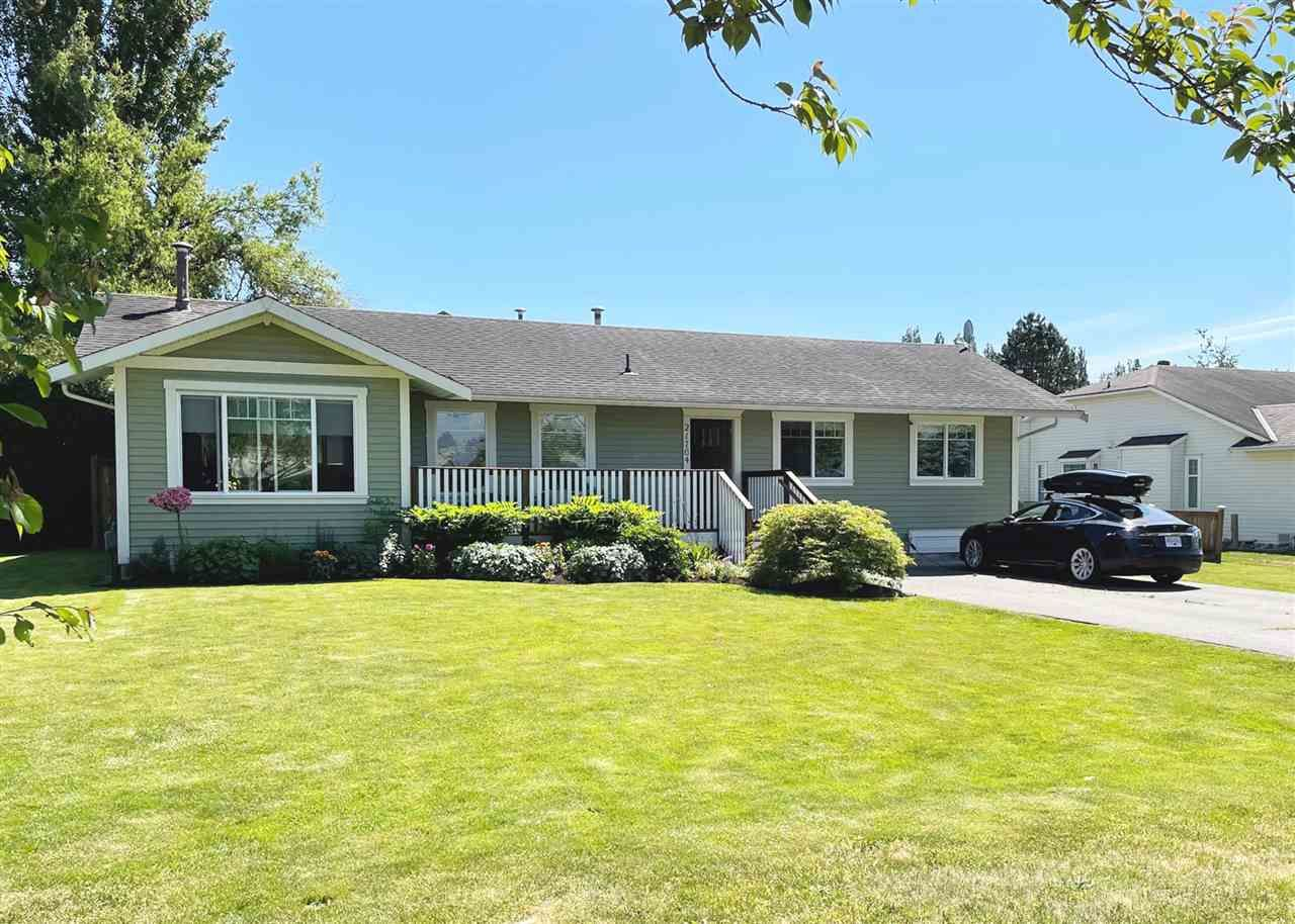 Main Photo: 21764 50 Avenue in Langley: Murrayville House for sale : MLS®# R2588411