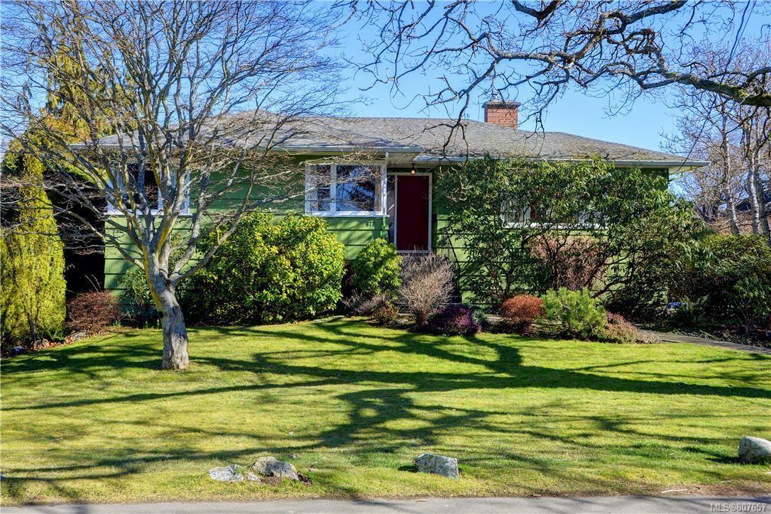 Main Photo: 877 Byng St in : OB South Oak Bay House for sale (Oak Bay)  : MLS®# 807657