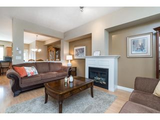 """Photo 5: 7033 179A Street in Surrey: Cloverdale BC Condo for sale in """"Provinceton"""" (Cloverdale)  : MLS®# R2392761"""