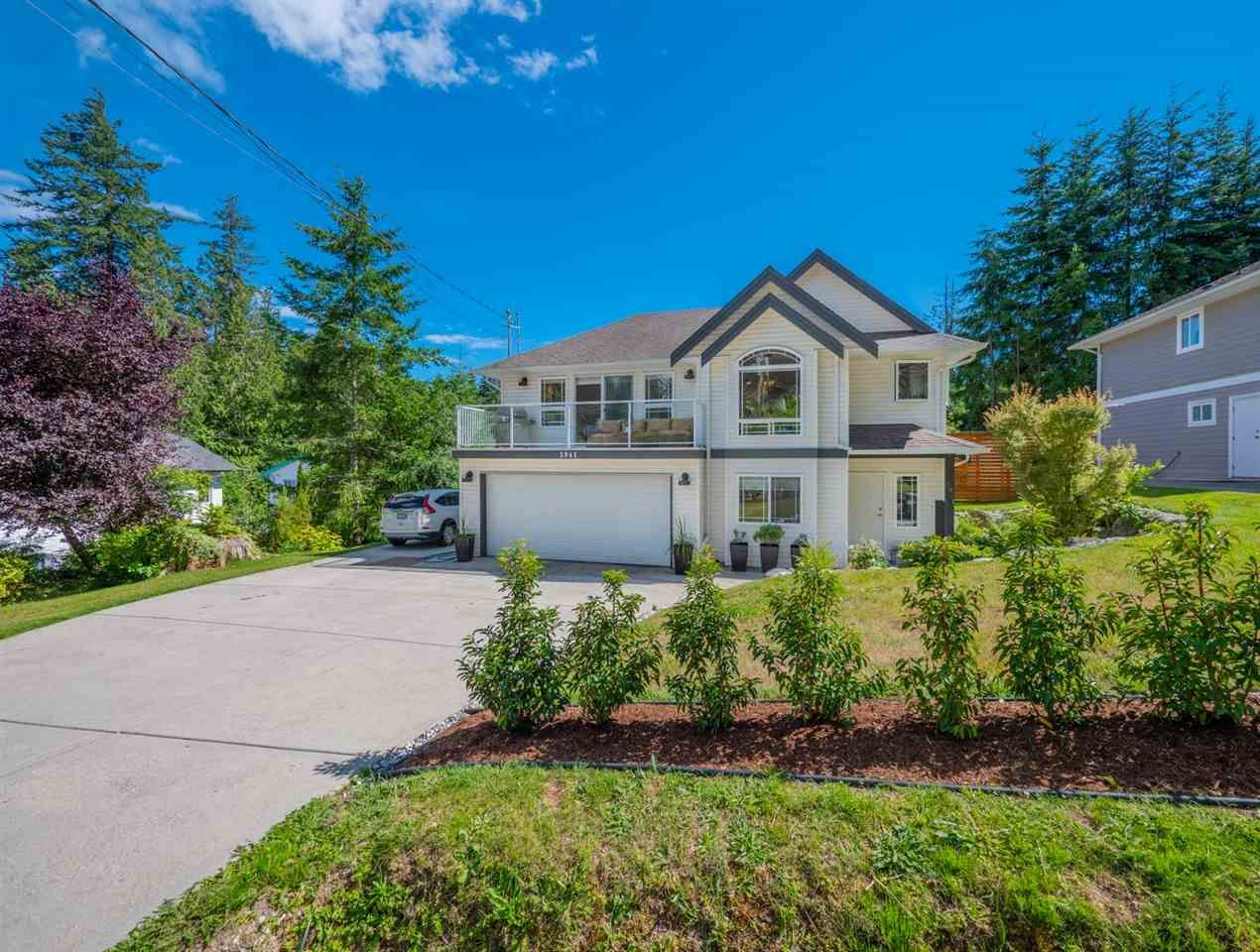 Main Photo: 5941 SHOAL Way in Sechelt: Sechelt District House for sale (Sunshine Coast)  : MLS®# R2286011