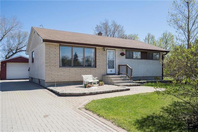 Photo 1: Photos: 79 Vincent Massey Boulevard in Winnipeg: Windsor Park Residential for sale (2G)  : MLS®# 1912809