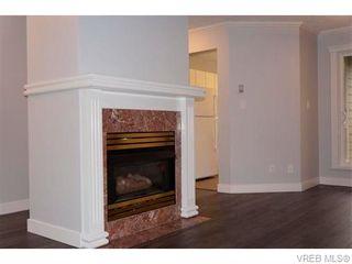 Photo 4: 404 649 Bay St in VICTORIA: Vi Downtown Condo for sale (Victoria)  : MLS®# 745697