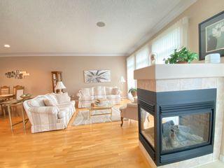 Photo 3: 427 TORY Point in Edmonton: Zone 14 House Half Duplex for sale : MLS®# E4248542