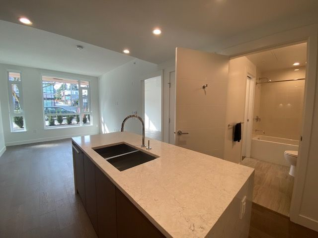 Photo 10: Photos: 110-469 W. King Edward in Vancouver: Marpole Condo for rent
