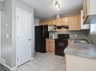 Photo 6: 16 ROYAL BIRCH Villa NW in Calgary: Royal Oak Row/Townhouse for sale : MLS®# C4302365