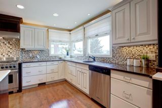 Photo 12: 131 Strathbury Bay SW in Calgary: Strathcona Park Detached for sale : MLS®# A1130947