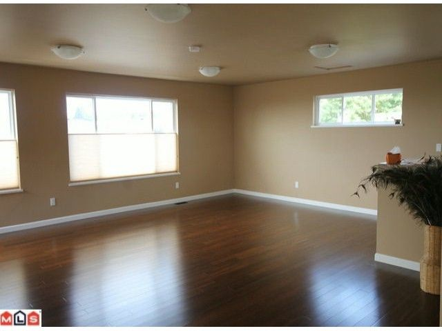Photo 6: Photos: 15430 ROPER Avenue: White Rock House for sale (South Surrey White Rock)  : MLS®# F1221507