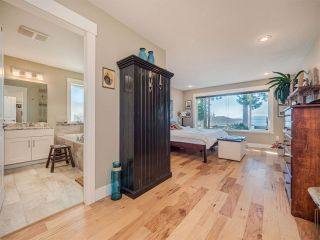 """Photo 17: 5557 PEREGRINE Crescent in Sechelt: Sechelt District House for sale in """"SilverStone Heights"""" (Sunshine Coast)  : MLS®# R2492023"""