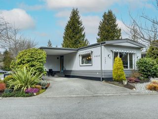 Photo 1: 9405 Lauries Lane in : Si Sidney South-West Manufactured Home for sale (Sidney)  : MLS®# 869542