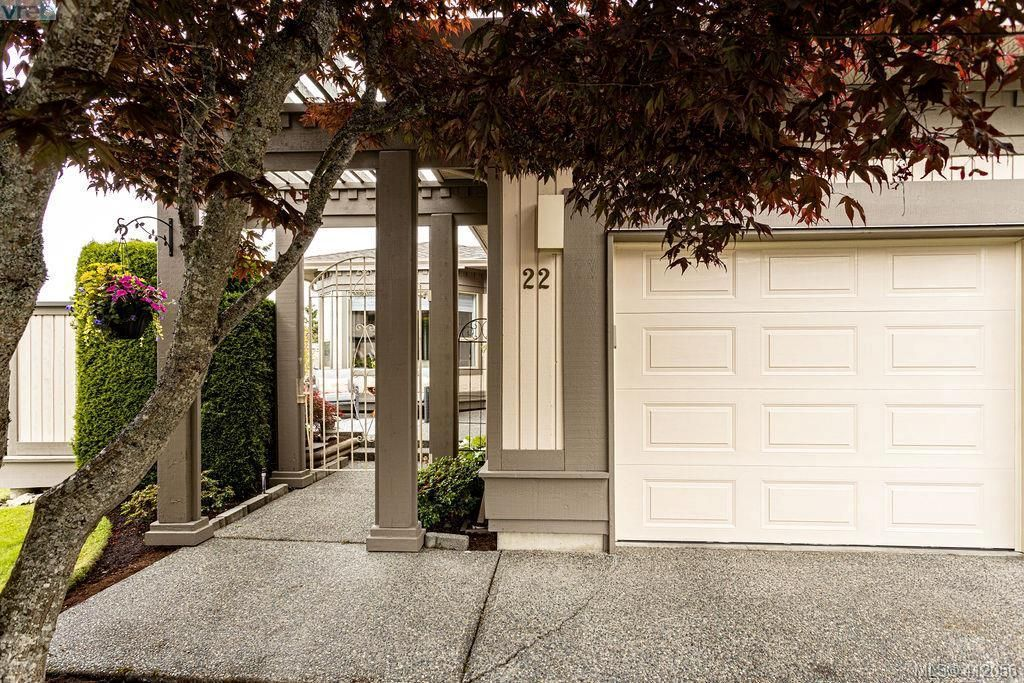 Private entrance with single car garage
