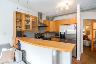 "Photo 4: 206 1216 HOMER Street in Vancouver: Yaletown Condo for sale in ""Murchies Building"" (Vancouver West)  : MLS®# R2291553"