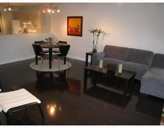 """Photo 6: 104 876 W 14TH Avenue in Vancouver: Fairview VW Condo for sale in """"WINDGATE LAUREL"""" (Vancouver West)  : MLS®# V760863"""