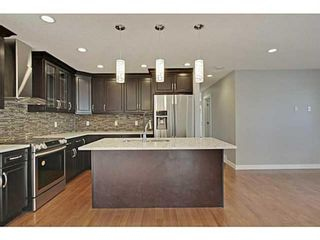 Photo 4: 27 Meadowview Road SW in Calgary: Meadowlark Park Detached for sale : MLS®# A1084197