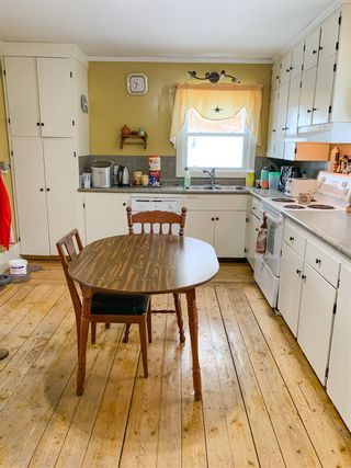 Photo 6: 19 Lower Lahave Road in Riverport: 405-Lunenburg County Residential for sale (South Shore)  : MLS®# 202102614