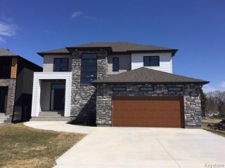 Photo 2: 413 Scotswood Drive South in Winnipeg: Charleswood Residential for sale (1G)  : MLS®# 1710110