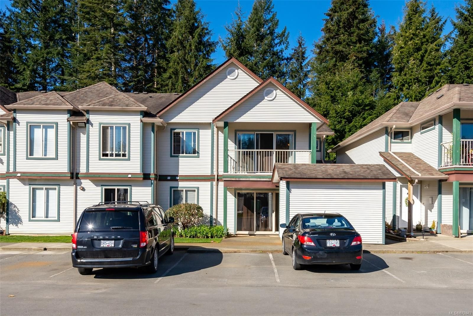 Main Photo: 3B 1350 Creekside Way in : CR Willow Point Condo for sale (Campbell River)  : MLS®# 872443