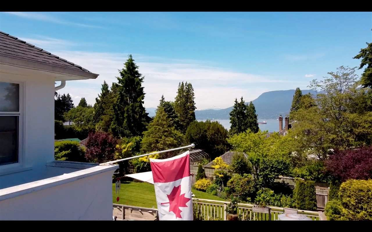 Main Photo: 4715 W 2ND Avenue in Vancouver: Point Grey House for sale (Vancouver West)  : MLS®# R2591871