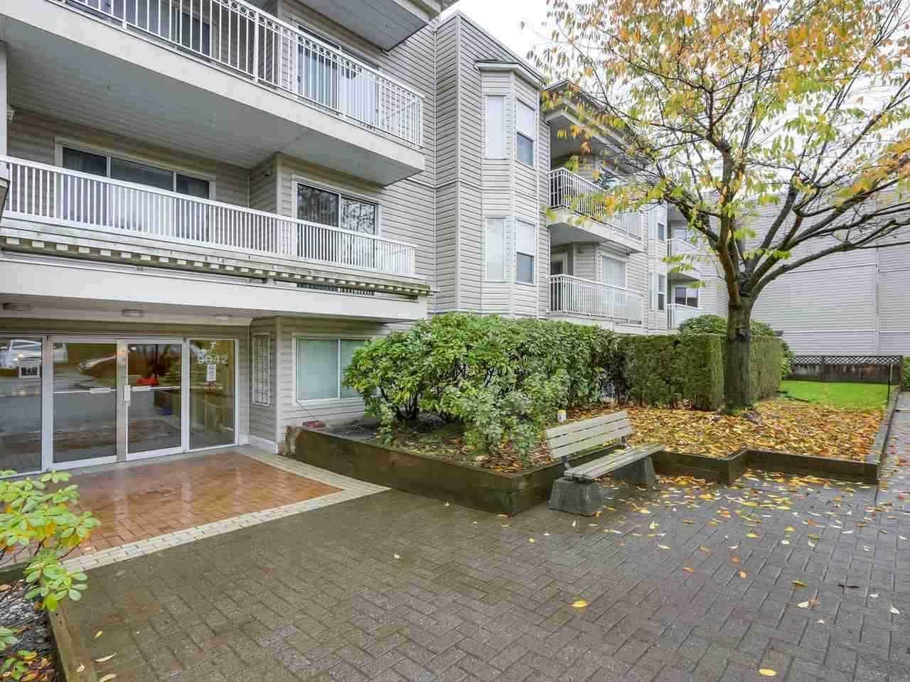 Main Photo: 205 9942 151 STREET in Surrey: Guildford Condo for sale (North Surrey)  : MLS®# R2337611