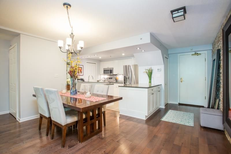"""Main Photo: 311 1288 MARINASIDE Crescent in Vancouver: Yaletown Condo for sale in """"Crestmark I"""" (Vancouver West)  : MLS®# R2602916"""