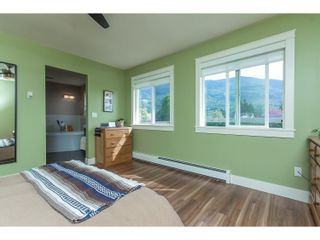"Photo 13: 42302 KNOX Avenue: Yarrow House for sale in ""YARROW"" : MLS®# R2054781"