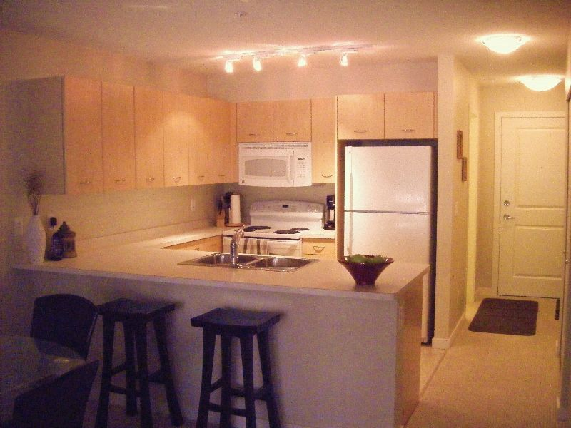 Main Photo: 215 539 Yates Road in Kelowna: Apartment Unit for sale (North Glenmore)  : MLS®# 9198819