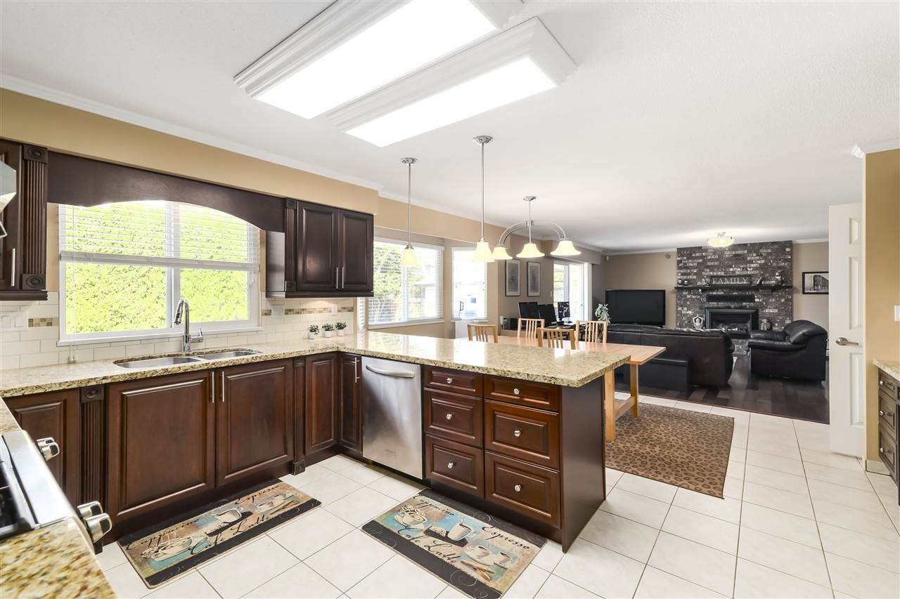 Photo 7: Photos: 10291 MORTFIELD Road in Richmond: South Arm House for sale : MLS®# R2490488