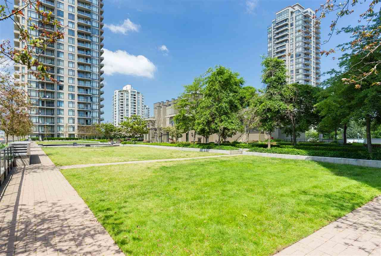 """Photo 18: Photos: 1704 2345 MADISON Avenue in Burnaby: Brentwood Park Condo for sale in """"OMA"""" (Burnaby North)  : MLS®# R2302453"""
