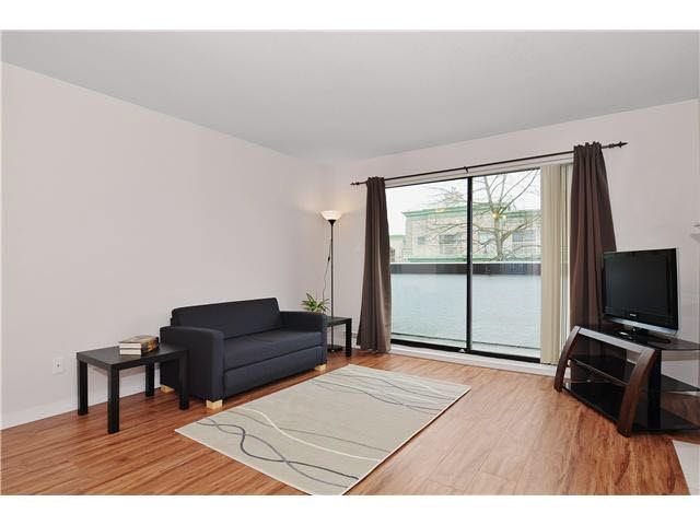 FEATURED LISTING: 327 - 7480 ST. ALBANS Road Richmond