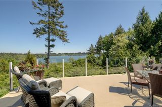 Photo 3: 5537 Forest Hill Rd in : SW West Saanich House for sale (Saanich West)  : MLS®# 853792