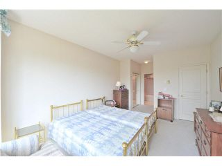 """Photo 18: 303 1705 MARTIN Drive in Surrey: Sunnyside Park Surrey Condo for sale in """"SOUTHWYND"""" (South Surrey White Rock)  : MLS®# F1420126"""