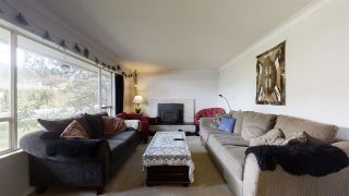 "Photo 3: 2026 GARIBALDI Way in Squamish: Garibaldi Estates House for sale in ""GARIBALDI ESTATES"" : MLS®# R2580677"