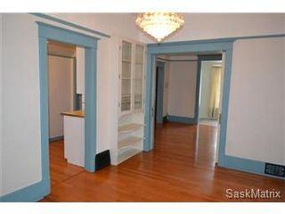 Photo 4: 848 I Avenue South in Saskatoon: King George Single Family Dwelling for sale (Saskatoon Area 04)  : MLS®# 422973