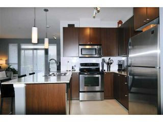 "Photo 3: 204 2477 KELLY Avenue in Port Coquitlam: Central Pt Coquitlam Condo for sale in ""SOUTH VERDE"" : MLS®# V985457"