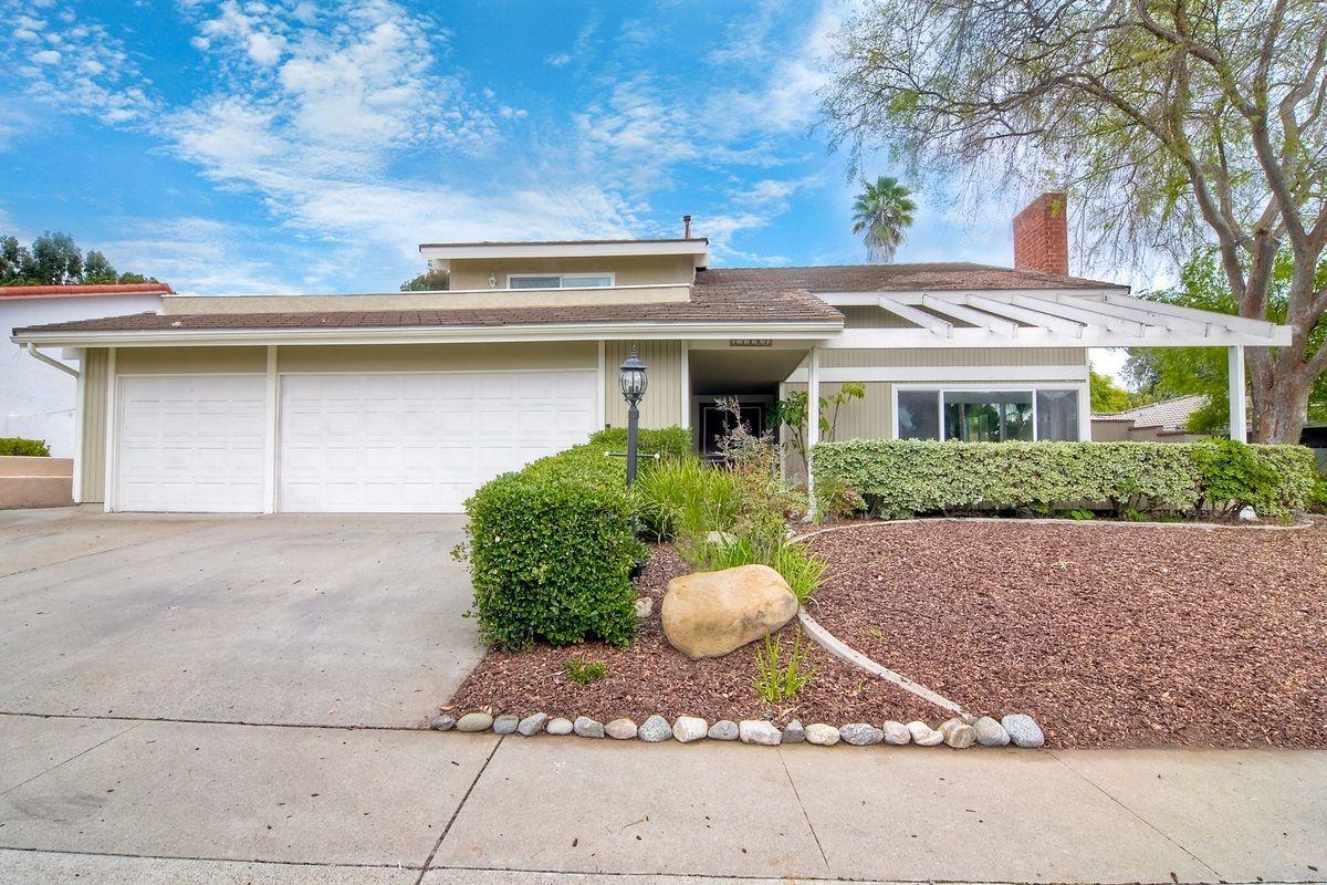 Main Photo: RANCHO BERNARDO House for sale : 5 bedrooms : 17807 Frondoso Dr in San Diego