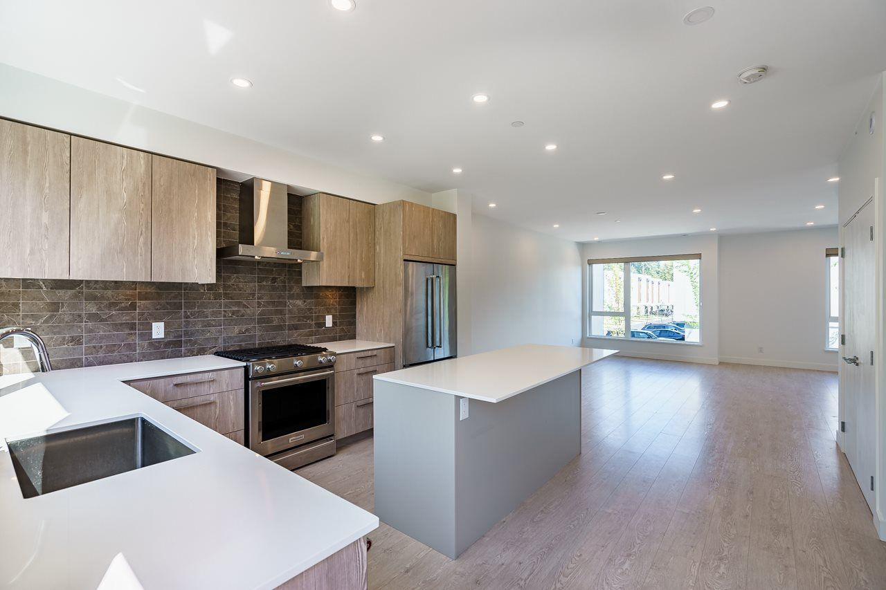 """Photo 4: Photos: 47 3597 MALSUM Drive in North Vancouver: Roche Point Townhouse for sale in """"SEYMOUR VILLAGE 3"""" : MLS®# R2569256"""