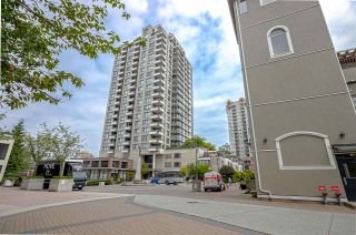 "Photo 12: 501 1 RENAISSANCE Square in New Westminster: Quay Condo for sale in ""THE Q"" : MLS®# R2430832"