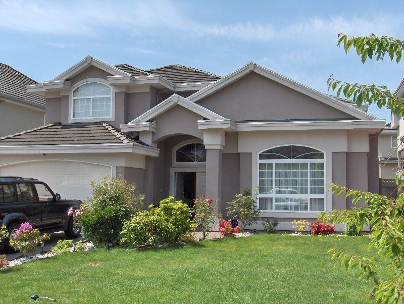 Main Photo: 6213 126B  Street in : Panorama Ridge House for sale (Surrey)  : MLS®# F2709712