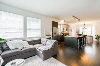 """Photo 5: 21 6450 187 Street in Surrey: Cloverdale BC Townhouse for sale in """"HILLCREST"""" (Cloverdale)  : MLS®# R2372931"""